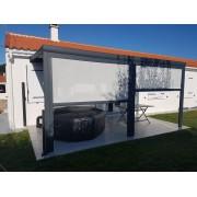 Rideaux motorisés pour pergola bioclimatique en façade