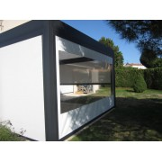 Rideau transparent façade motorisé pour pergola bioclimatique