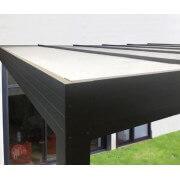 Pergola adossée toit plat panneau sandwich blanc