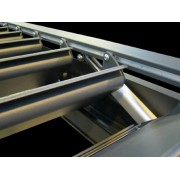 Motorisation verin dans profil latéral pergola bioclimatique H2 entre murs