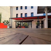 Pergola toile enroulable 3 modules dickson micro-perforée rouge