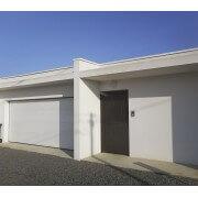 Porte de garage sectionnelle 3x2 blanche lisse