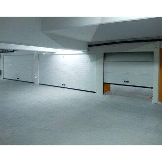 Porte de Garage Sectionnelle Manuelle Sur Mesure
