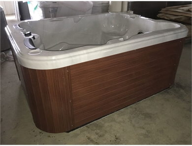 devis en ligne spa jacuzzi canadien sur mesure 5 places 65 jets prix. Black Bedroom Furniture Sets. Home Design Ideas